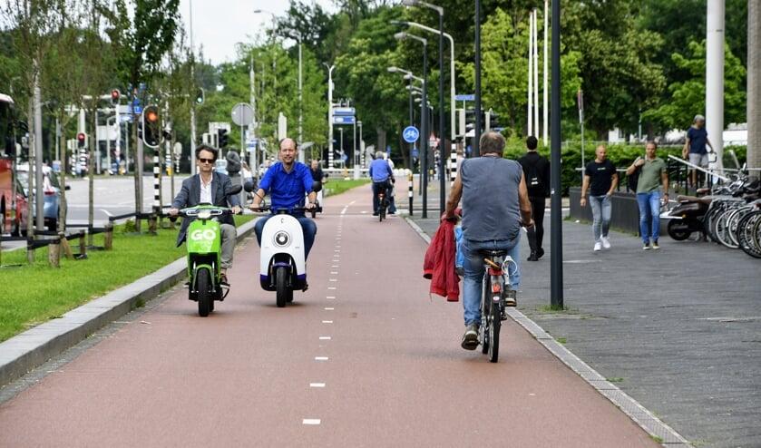 <p>Het gebruiken van een deelscooter is een voorbeeld van duurzame mobiliteit</p>
