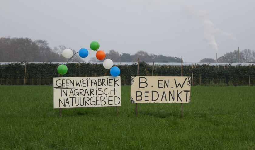 <p>Feest in het buitengebied van Etten-Leur na de beslissing.&nbsp;</p>