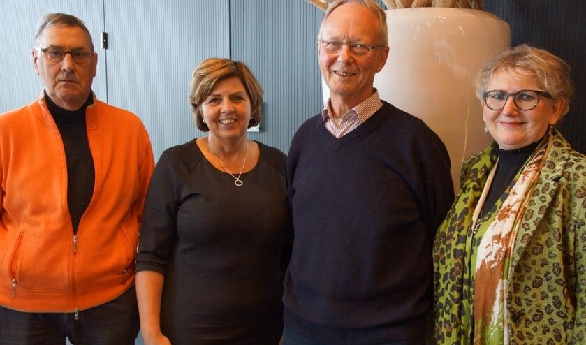 V.l.n.r. Denie de Jong, wethouder Laura Matthijssen, Martien Schumacher en wethouder Suzanne Breedveld hebben vertrouwen in de opzet en werkwijze van de Lokale Alliantie.
