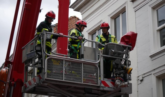 De brandweer heeft het dak gerepareerd.  Wesley van der Linde/GroenNieuws.nl © BredaVandaag