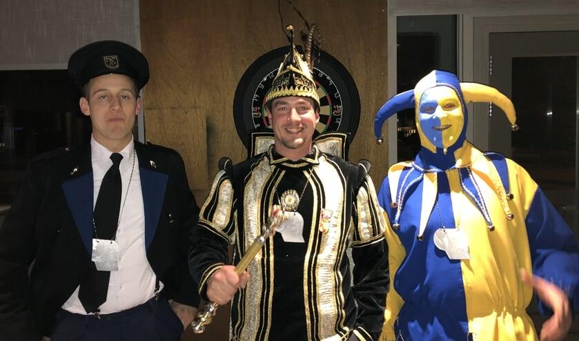 Pliessie Jimmy, Prins Ralph en Nar Kevin voelen zich helemaal thuis bij CV De Goudpoepers.