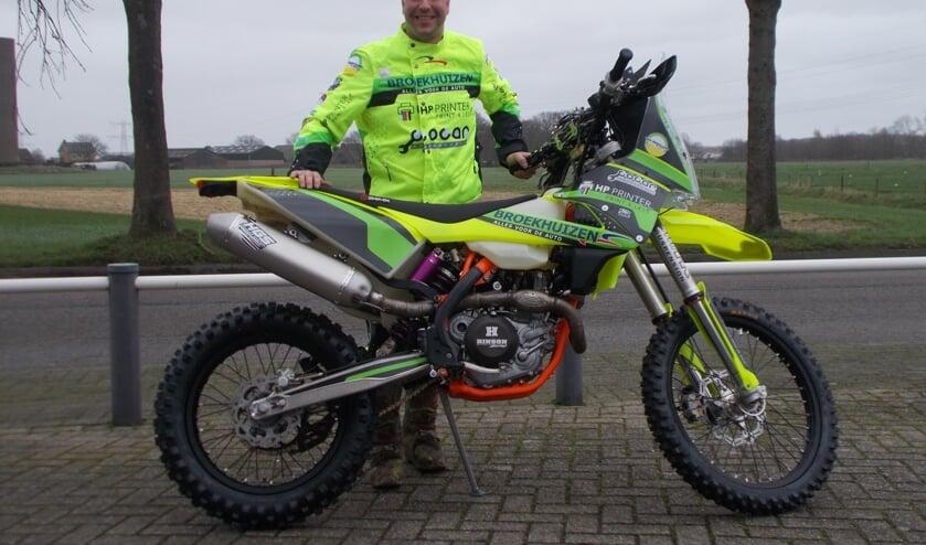 Mike van den Goorbergh met zijn KTM. FOTO MONIQUE JANSEN