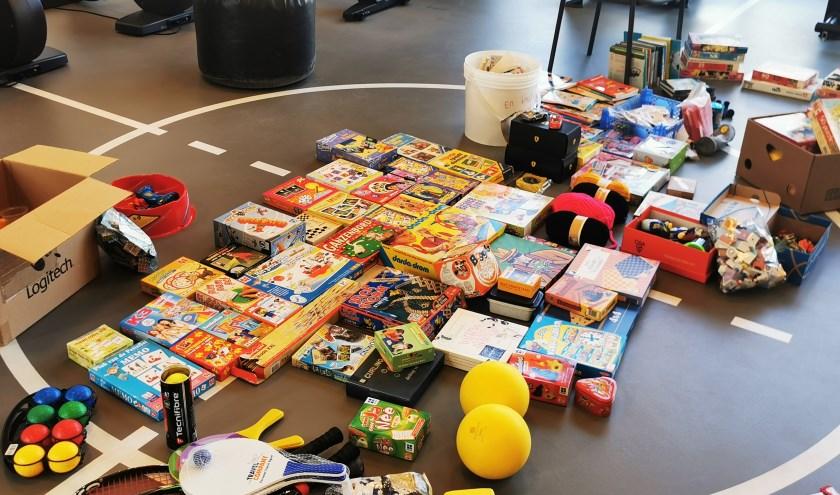 De fitnessruimte van Amarant in Rijsbergen puilt uit van de aangeboden spullen.