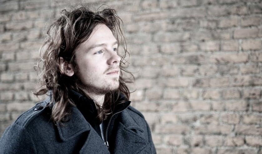 Niels Geense treedt op met zijn project Critter.