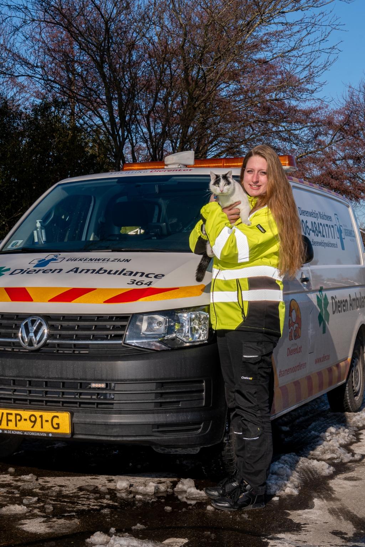 <p>Robin Vreeke is vrijwilliger bij de dierenambulance.</p>