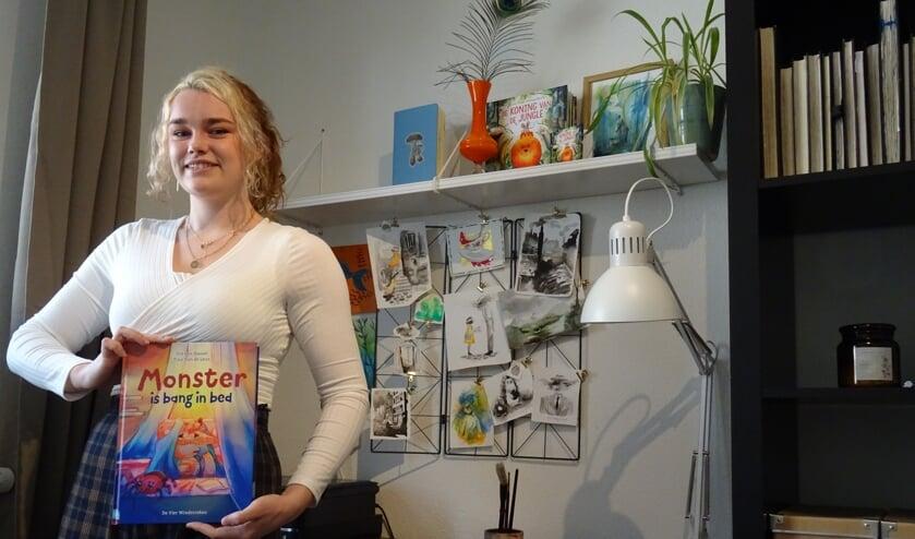 <p>Iris van Hassel in haar werkruimte.&nbsp;</p>