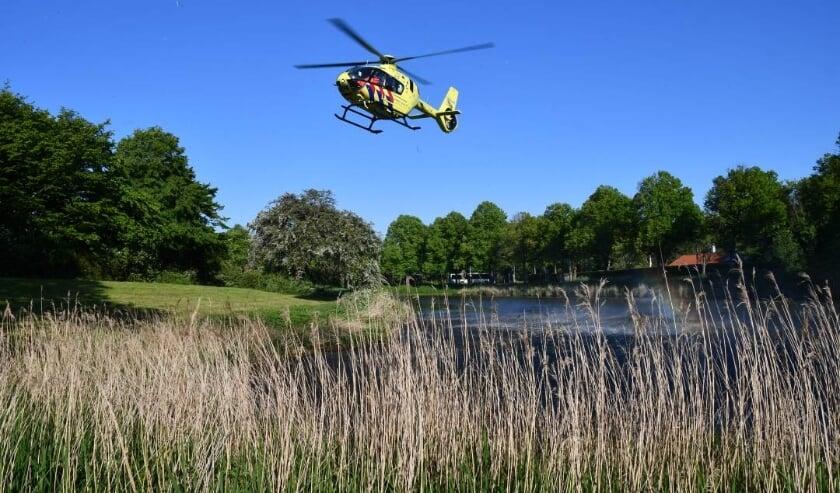 De Traumahelicopter boven de vest in Middelburg