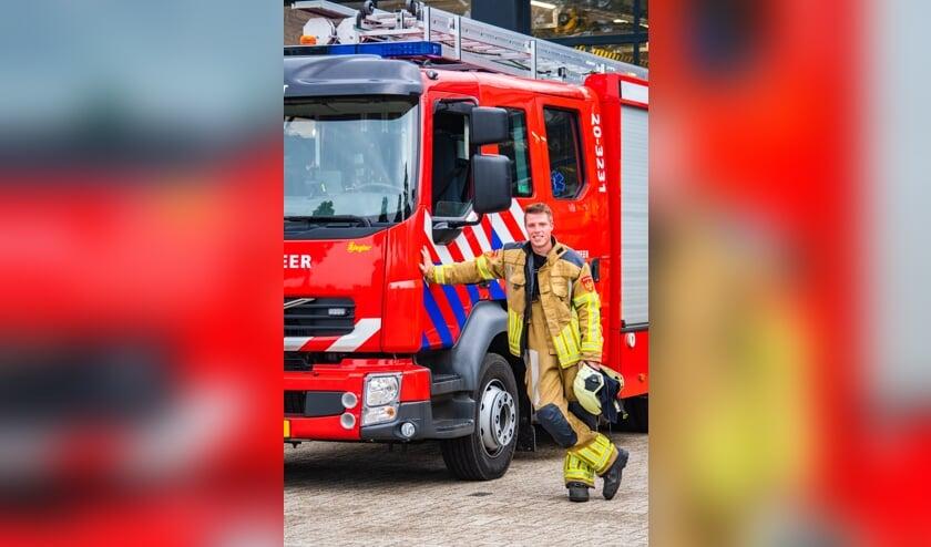 <p>Joeri Huijbregts is al bijna zes jaar vrijwilligerbij de brandweer,</p>