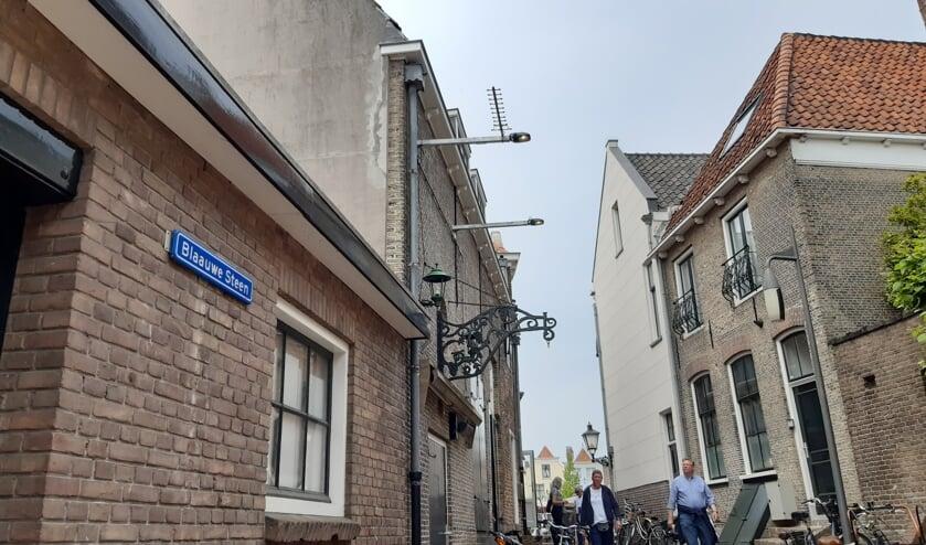 <p>Het straatje de Blaauwe Steen leidt naar de stadshaven van Goes.</p>