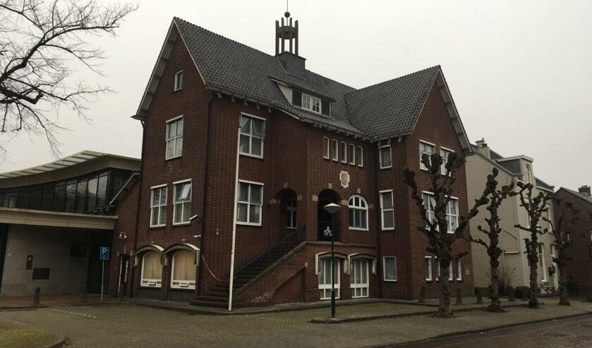 <p>Het Ossendrechts gemeentehuis krijgt een monumentale status.</p>