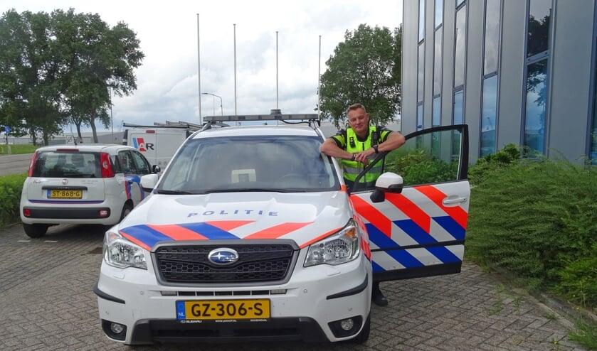 <p>Stefan Visser op bedrijventerrein Moerdijk.&nbsp;</p>