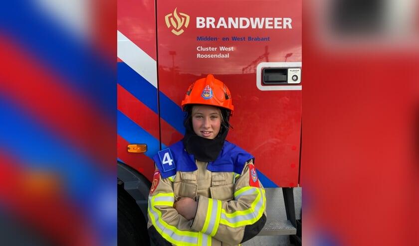 <p>Melody Aarts, lid Jeugdbrandweer Steenbergen: &#39;Mijn droom is om later mensen te kunnen helpen bij het blussen van een brand&#39;</p>