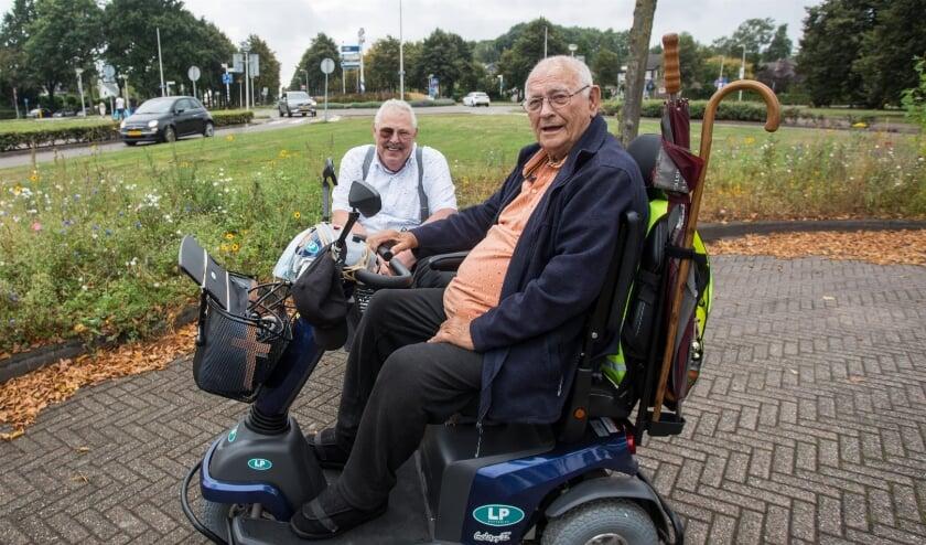 <p>Herman Zonligt met op de voorgrond Simon Bomers.</p>