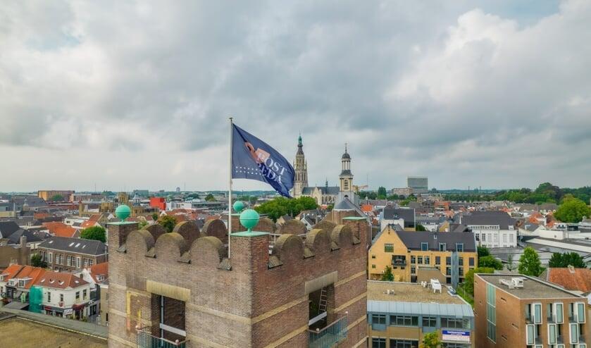 De vlag in het torentje is gehesen.