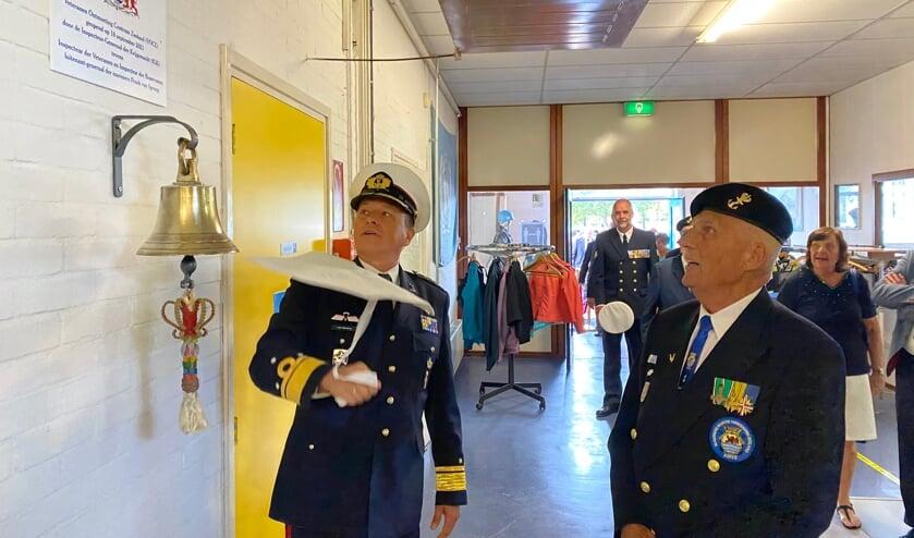 Inspecteur-Generaal der Krijgsmacht luitenant-generaal Frank van Sprang (links) en initiatiefnemer John Kouters.