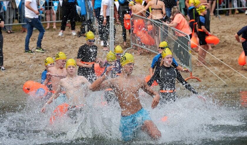 Het was de tweede editie van Swim to Fight Cancer.