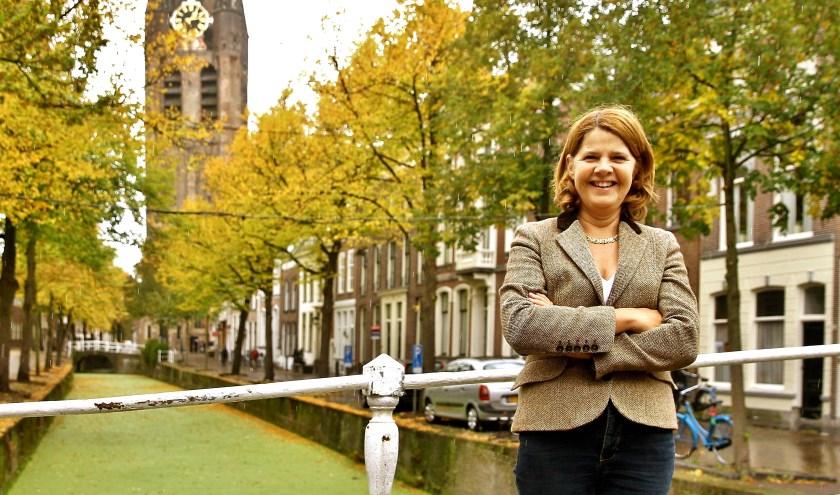 Burgemeester Van Bijsterveldt wenst alle Delftenaren een mooi en gelukkig 2017. (foto: Koos Bommelé)