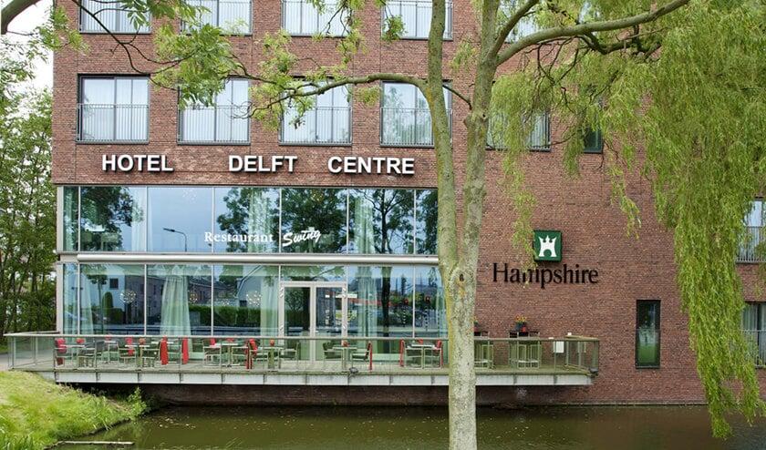 Het Alzheimer Café wordt elke maand georganiseerd in het Hampshire Hotel Delft Centre aan de Koepoortplaats 3.