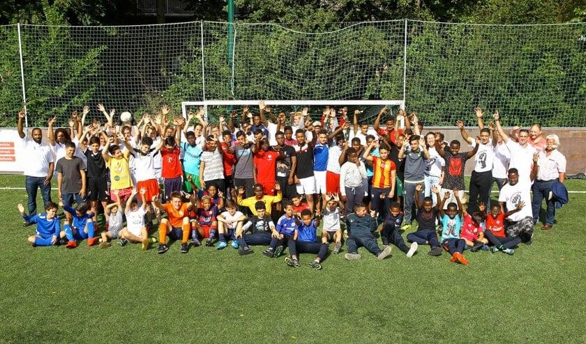 Niet alleen de winnaars juichten tijdens het voetbaltoernooi bij Delfia, vorige week zondag. Meer foto's zien? Kijk dan op www.delftopzondag.nl.