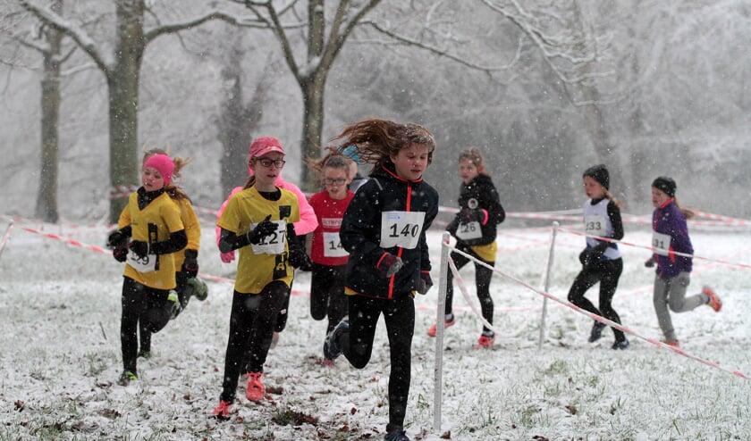 De deelnemers legde onder zware winterse omstandigheden het parcours af.