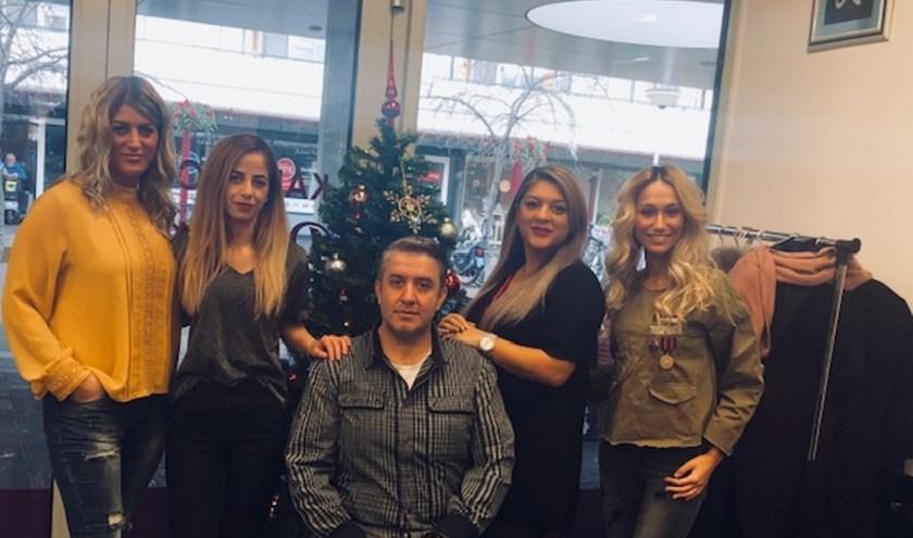 Sevda en Serkan,Deborah, Filiz en  Yasmine staan voor u klaar!
