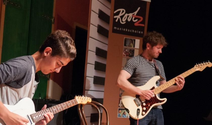 Ook voor gitaarles zit je goed bij Rootz! (Foto: PR)