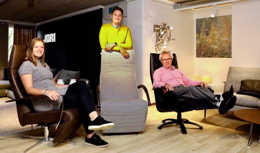 Heerlijk in de relaxmodus met JORI fauteuils bij Smits Designcenter (Foto: Koos  Bommelé)
