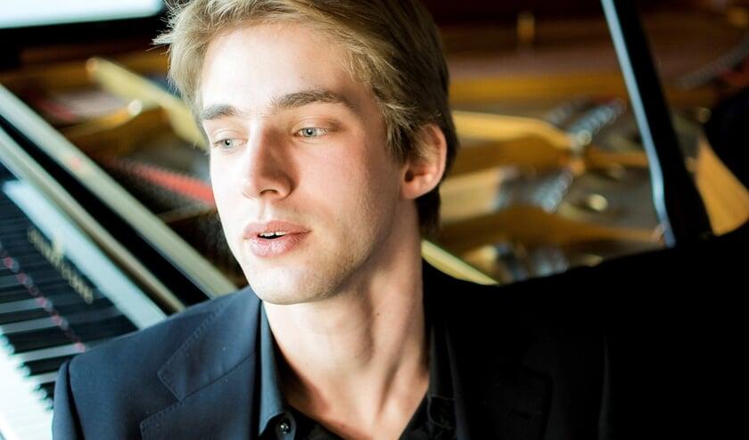 Pianist Marc Wielart
