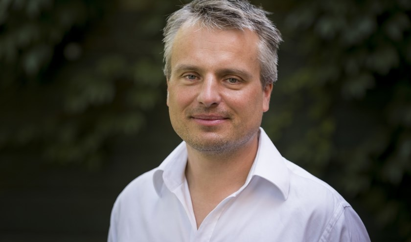 Joris Luyendijk komt op bezoek bij Op Hodenpijl (Foto: Jelmer de Haas)