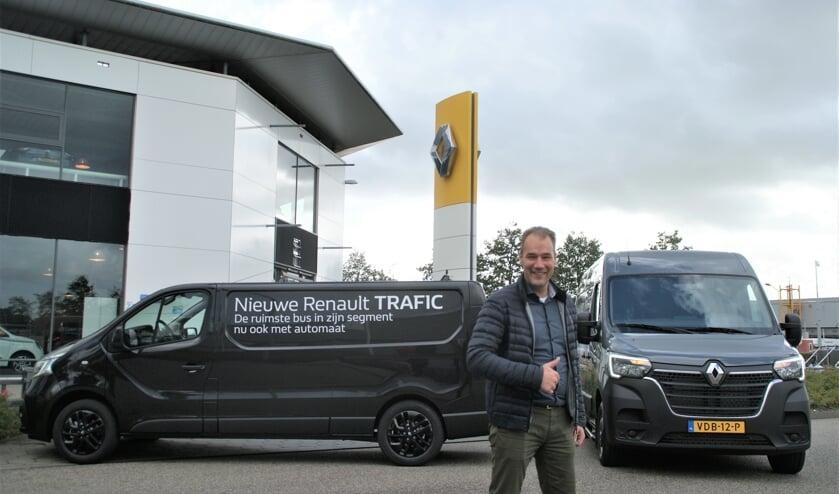 Bedrijfswagenspecialist Robert Schaap bij de vernieuwde Renault Trafic en Master.