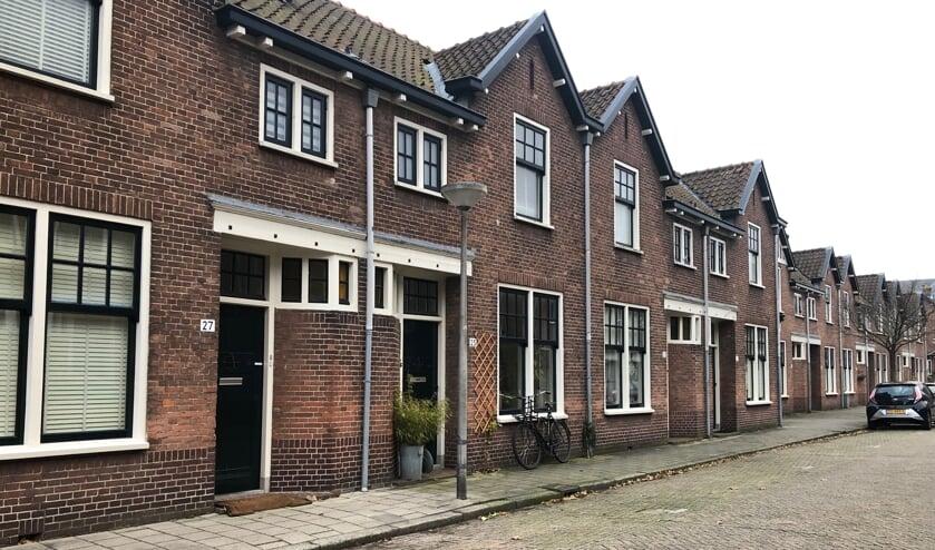 De woningen in de Vermeerstraat kampen al jaren met vocht en schimmel (Foto: CT)
