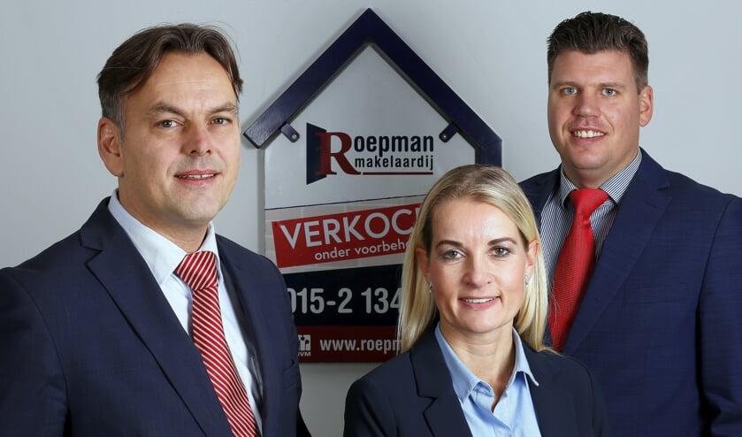 Ronald Roepman (links) en Nicole Dekker en Martijn Sinnema, over de aangekondigde maatregelen voor de woningmarkt.