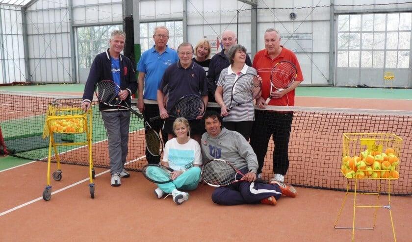 Neem eens een kijkje bij de tennisschool van Koos Heiligers!