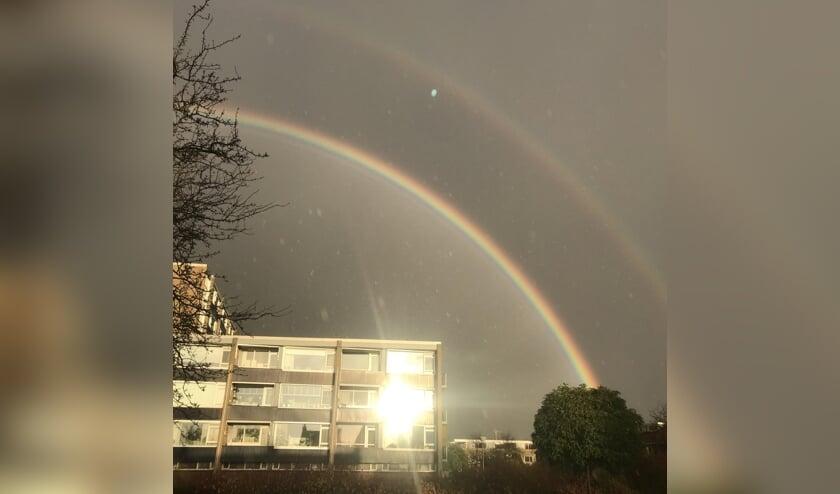 Een regenboog, gefotografeerd door Demi Jeleeze Mulder