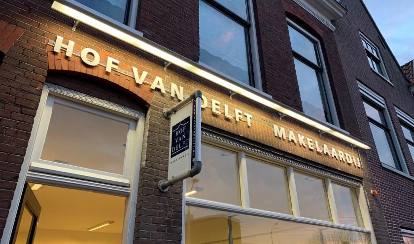 Het pand van Hof van Delft Makelaardij aan de Wateringsevest 26B.