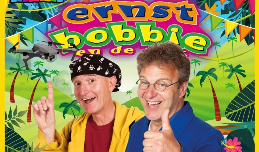 Terwijl Ernst en Bobbie klungelen in de jungle, kun jij leuke merchandise winnen!