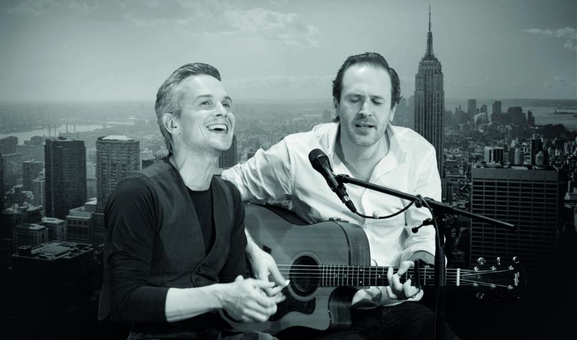 Jop Wijlacker en Dennis Kolen brengen de mooiste nummers van Simon & Garfunkel (Foto: Kees van der Niet)