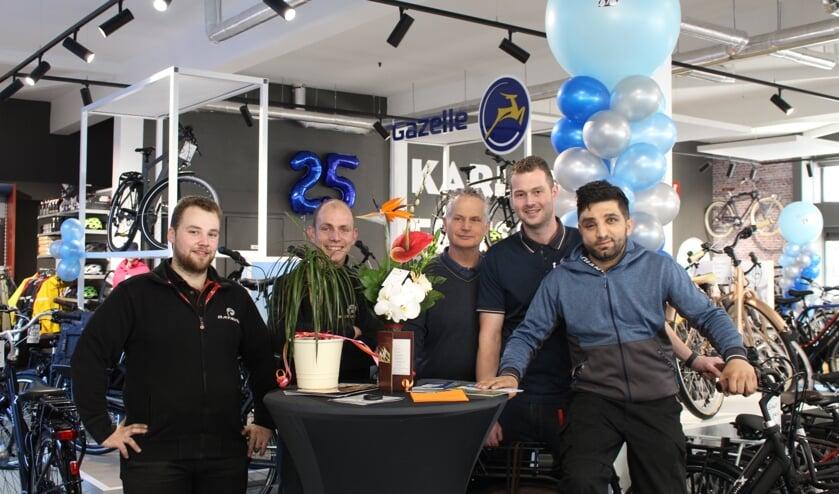 Het team van Karlas Fietsen staat ook ná het jubileum voor u klaar! (Foto: EvE)