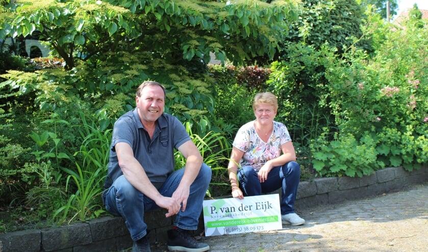 Gerard Weijgertse en Ineke van der Zaan. Allebei oudgedienden bij P. van der Eijk Hoveniers. (Foto: EvE)