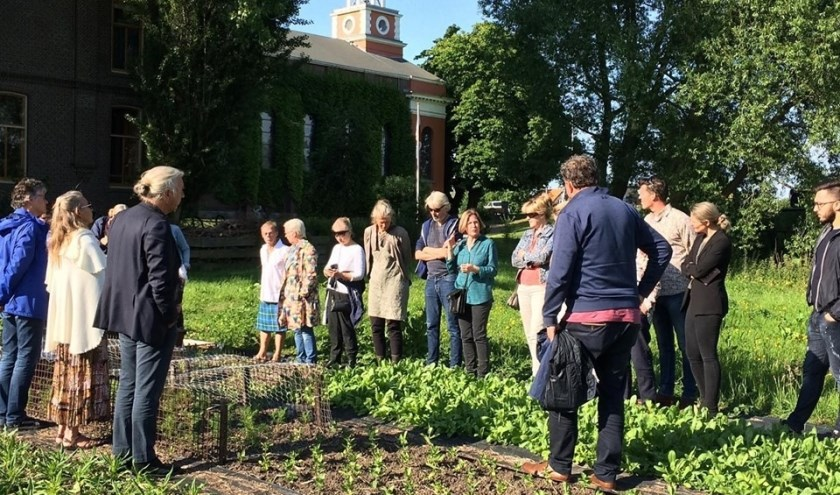 De rondleiding over de Bloemenakker van Op Hodenpijl.
