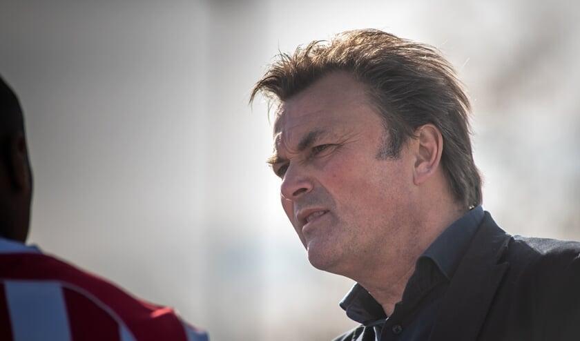 """Ronald Hes promoveerde in vier jaar Den Hoorn twee keer, waarvan eenmaal via het kampioenschap. """"Ik hoop ook bij Wippolder succesvol te zijn. Er zit in ieder geval genoeg potentie in de club."""" (foto: Roel van Dorsten)"""