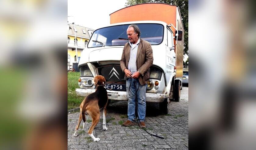 Tijn met zijn hond: de reden dat hij de Citroën van de hand wil doen