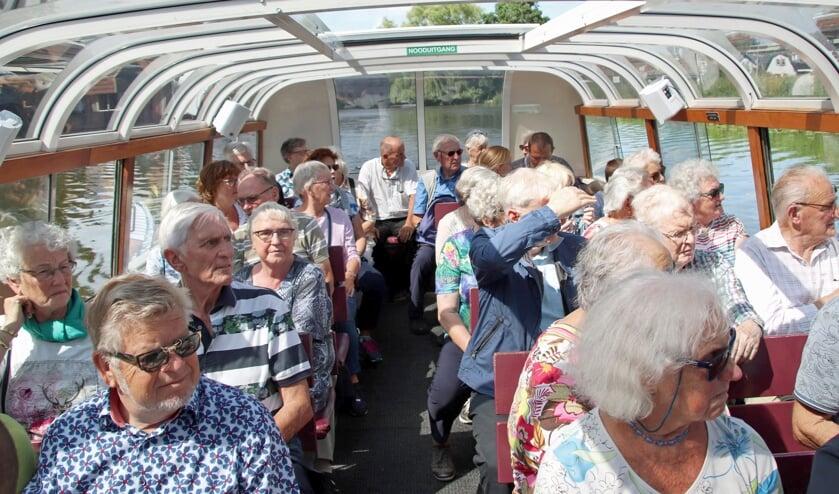 Er op uit met de Zomerschool voor senioren. Bijvoorbeeld een vaartocht naar de Broeker Veiling.