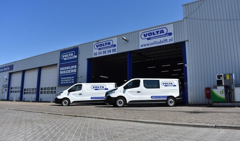 Volta Autowascentrale heeft twee bussen laten bestickeren bij Rodi. (Foto: PR)