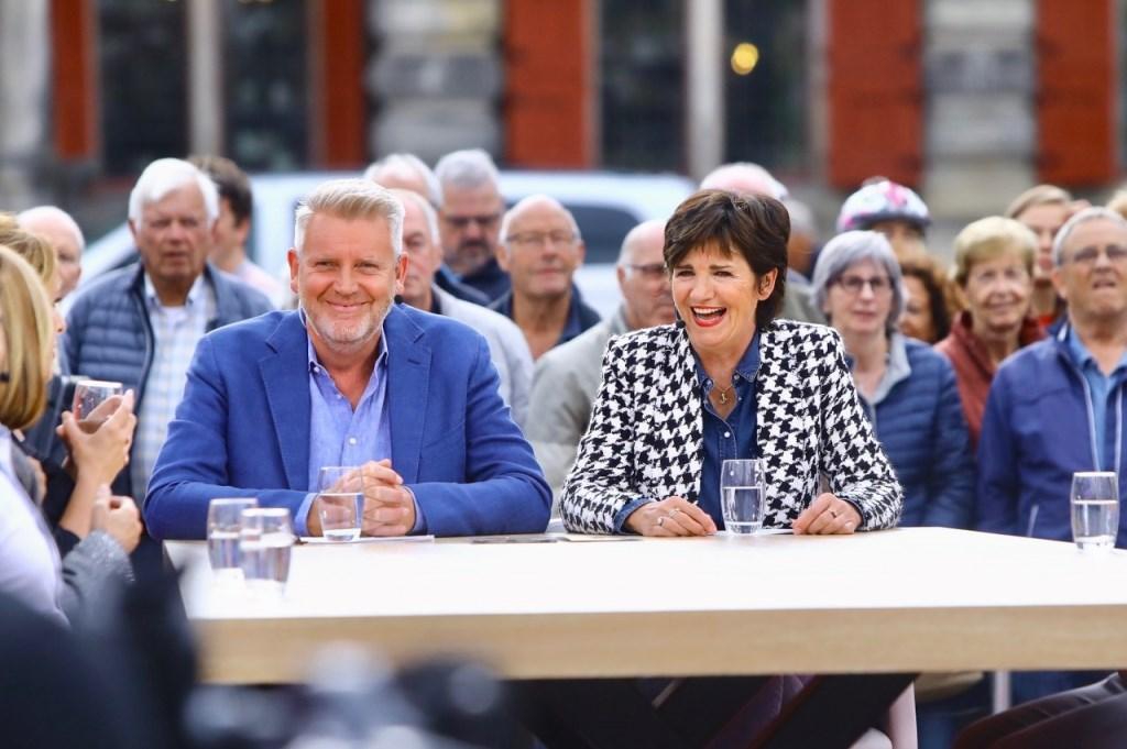 Omroep Max op de Markt in Delft Foto: KOOS BOMMELE © RODI Media-zh