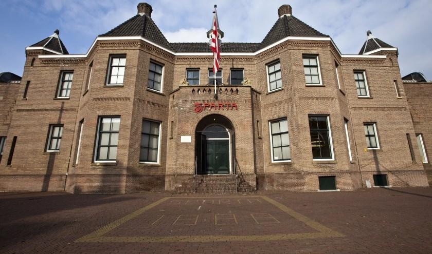Het Kasteel, thuishaven van Sparta Rotterdam, en het museum (foto onder)