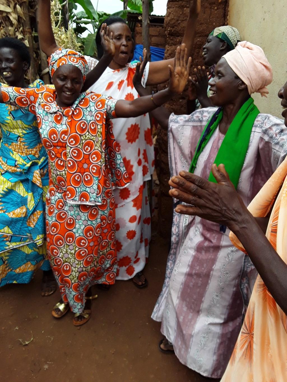 Dansende Rwandese vrouwen  © RODI Media-zh