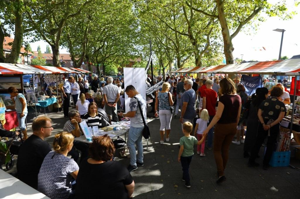 Montmartre op het plein in Den Hoorn Foto: KOOS BOMMELE © RODI Media-zh