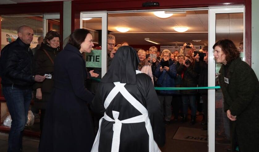 De opening van de expositie 'Dorp in beeld' (Foto: Henk Groenendaal)
