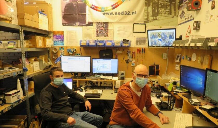 <p>De vertrouwde gezichten van Computershop Delft: Rick Bosch en Erik van Schelven</p>